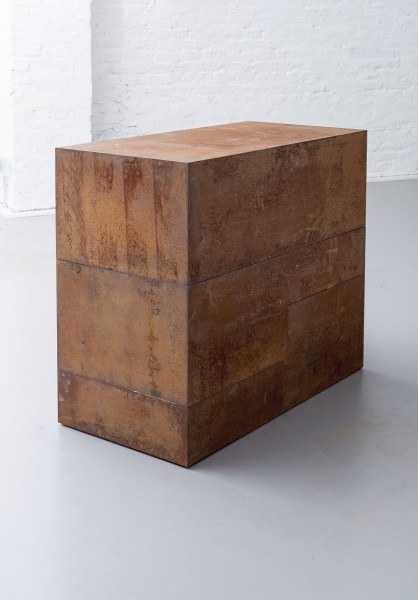 Riki Mijling, Three Elements, 2014, Corten steel, 54 x 108 x 90 cm, © Iemke Ruige, Amstelveen, Courtesy Galerie Floss & Schultz, Cologne